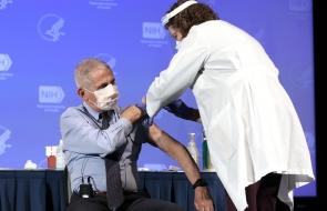 NIAID_Fauci receives vaccine.jpg