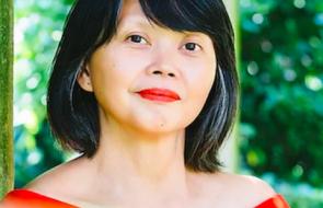 Author Gina Apostol