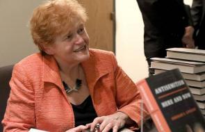 Image of Deborah Lipstadt